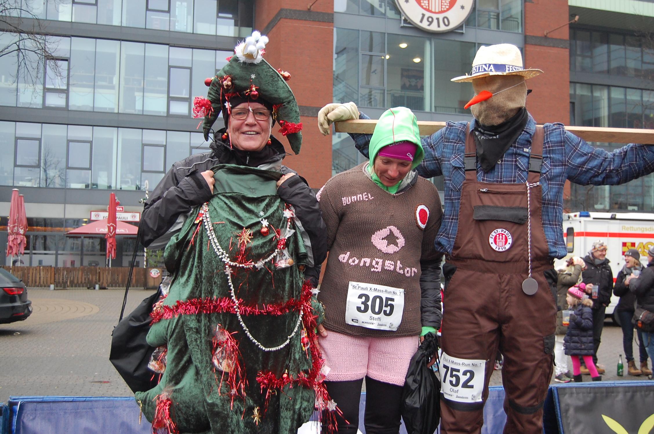 7. X-Mass-Run St. Pauli: Kostümehrung