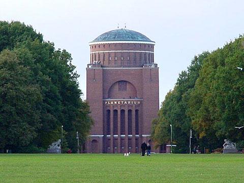 Planetarium im Stadtpark (mit freundlicher Genehmigung von www.stero.de)